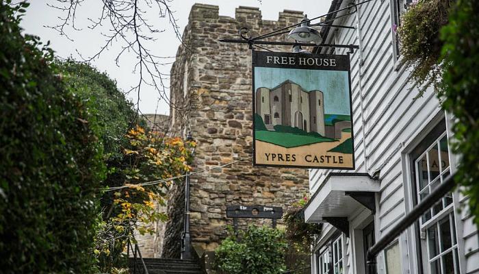 ypres castle pub