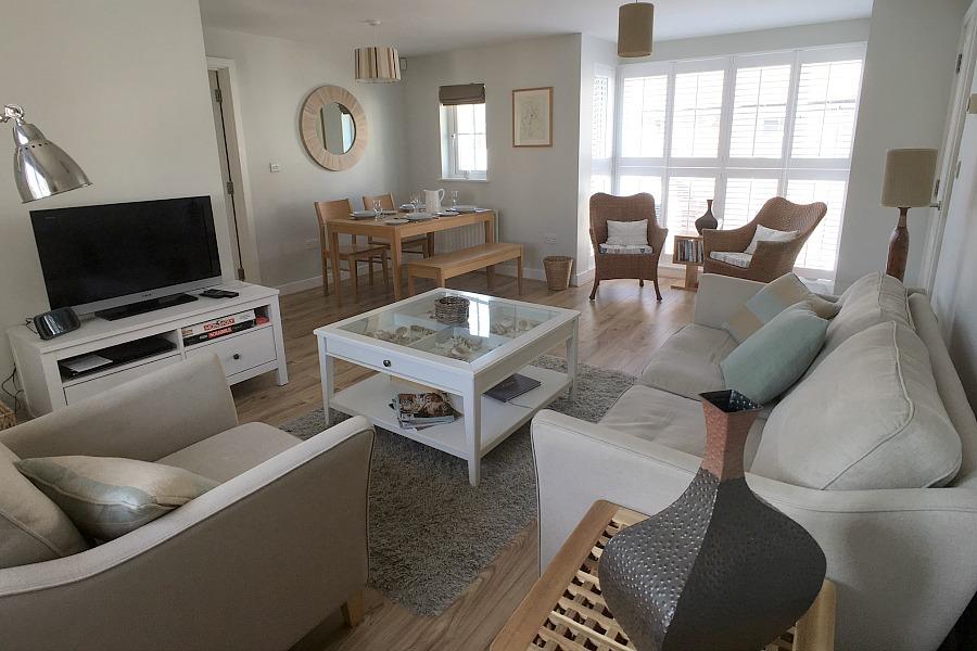 Beachcomber spacious living area