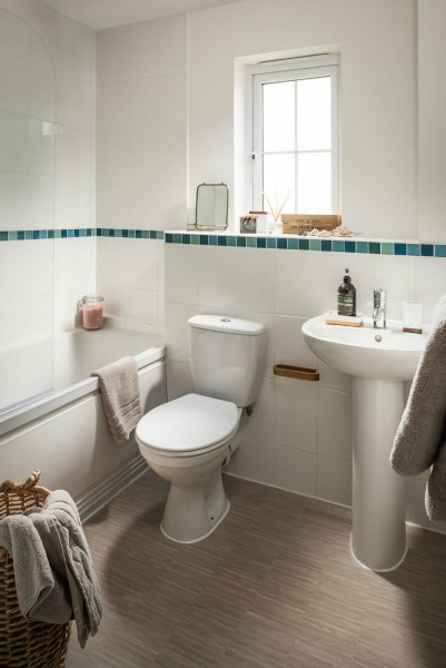 rye bay house bathroom