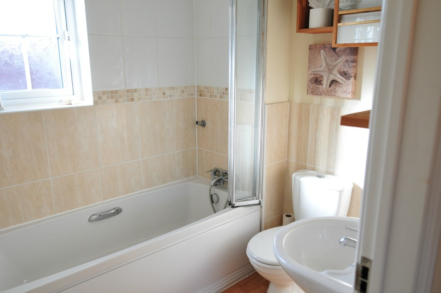 Seabreeze family bathroom