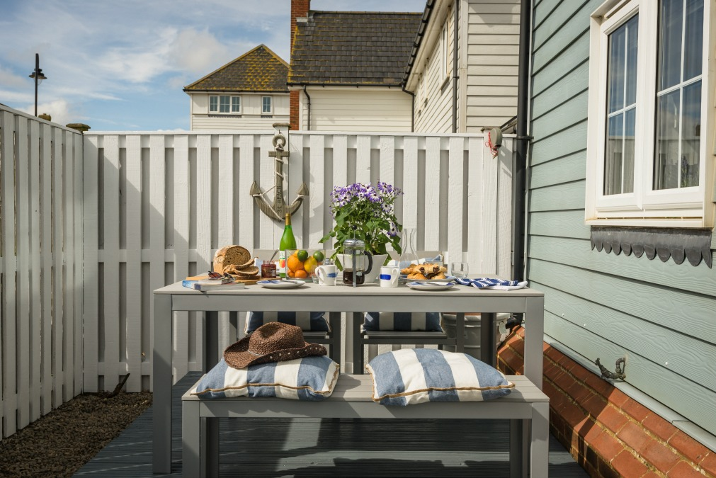 Seasalt camber garden table