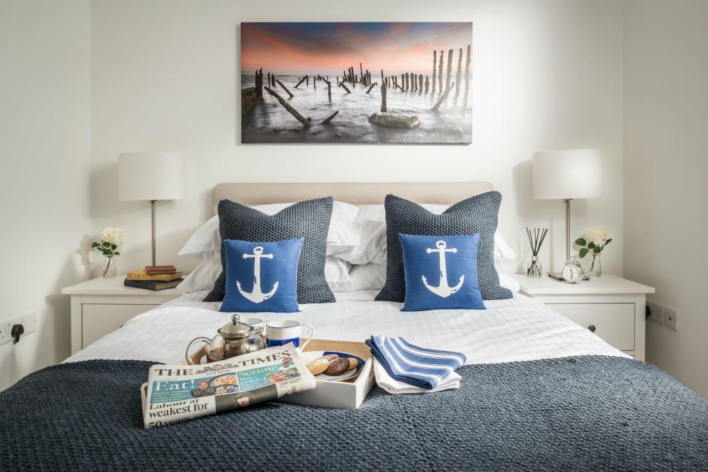 Seasalt camber master bed landscape
