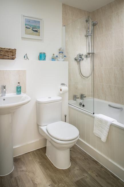 SaltyTowers family bathroom
