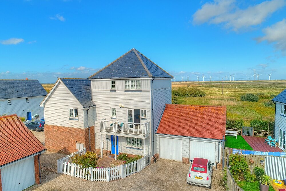 Salty Towers, a large cottage to rent in Camber Sands, East Sussex