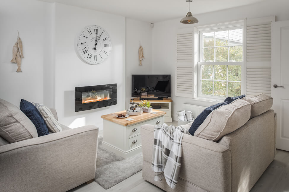 Oystercatchers-livingroom2