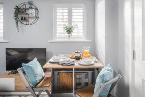 Salt Bay coastal holiday apartment near Rye